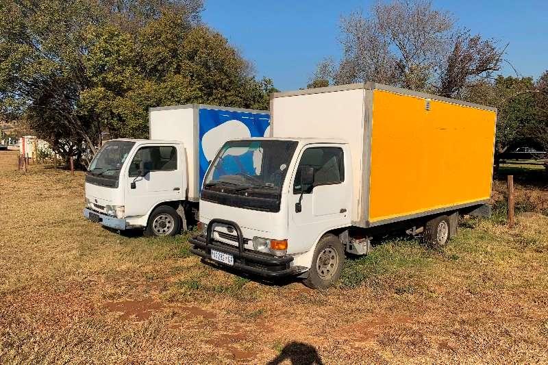 UD Box trucks Nissan UD20 LWB 2000
