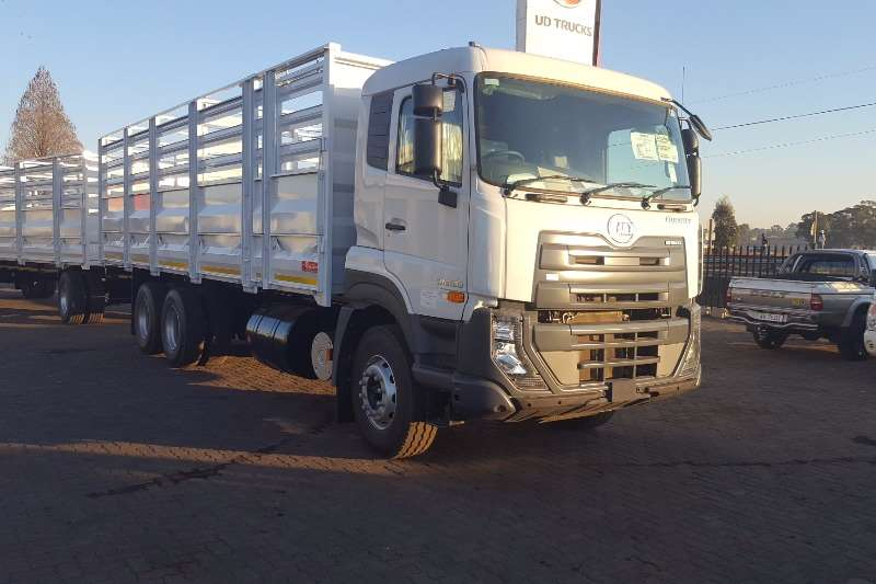 UD Cattle body trucks Quester 330 Cattlebody 2019