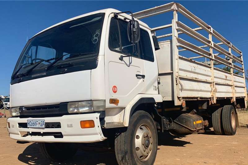 UD Cattle body trucks UD 90 1997