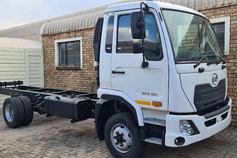 UD KUZER RKE150 Chassis cab trucks