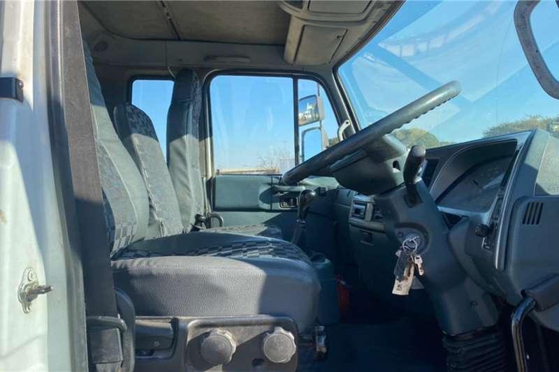 UD 2013 NISSAN UD80 4x2, 7m Dropside Loadbody Dropside trucks