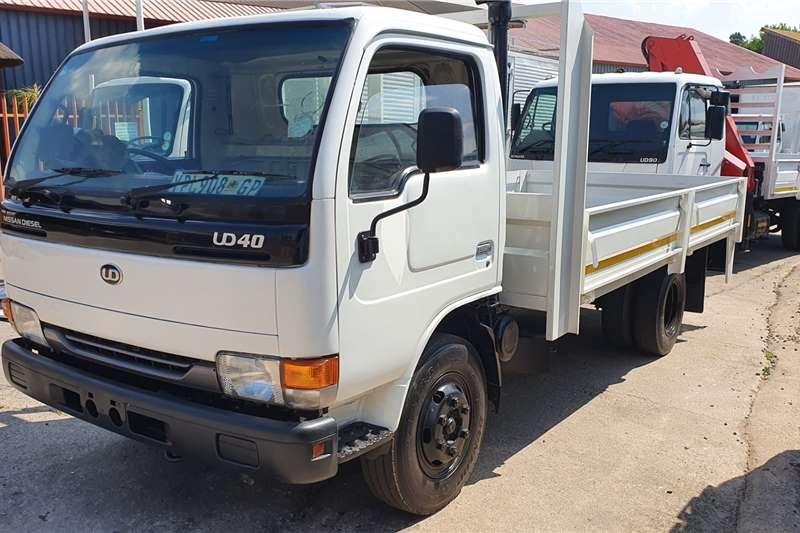 UD UD40 Dropside trucks