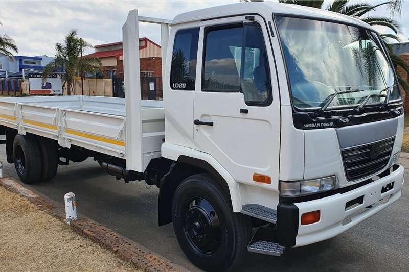 UD Dropside trucks UD80 2005