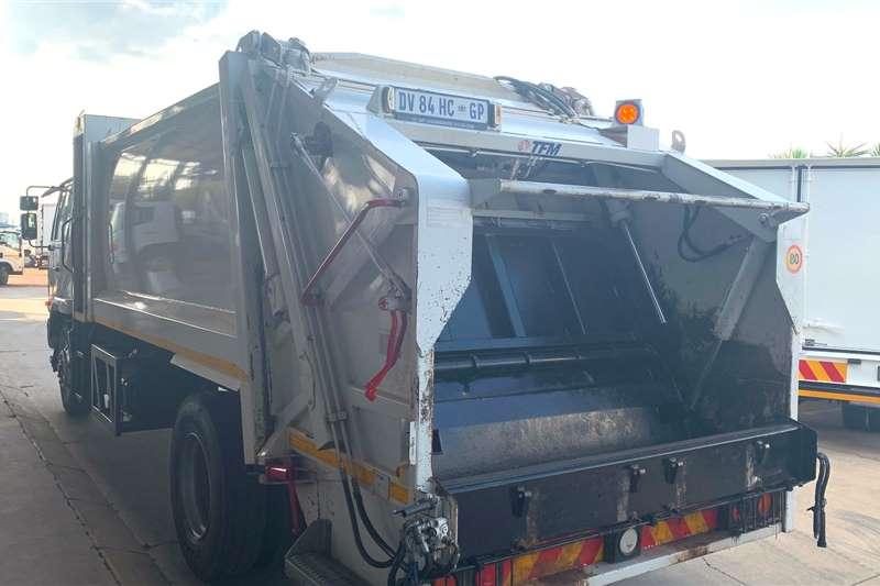 UD 90C F/C TFM M160 Compactor Garbage trucks