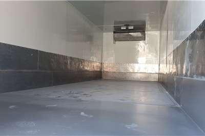 UD UD95 Refrigerated trucks