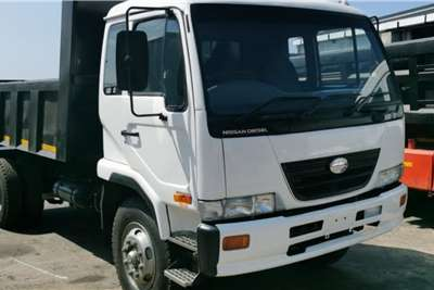 UD 80 Non Turbo 6 cube 4x2Tipper Tipper trucks