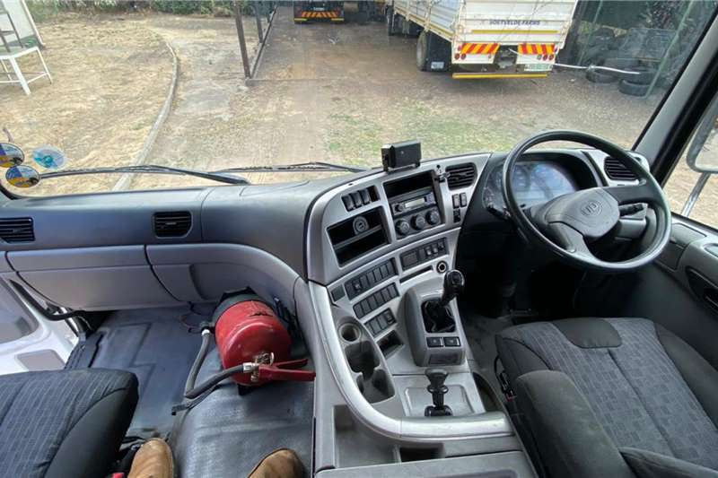 UD 2014 UD Truck 26  410 Truck