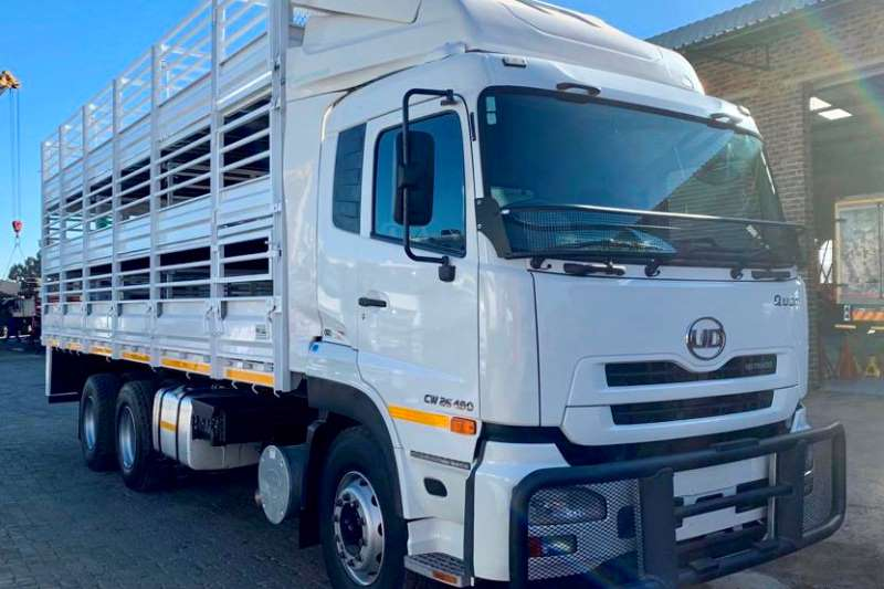 UD Truck Cattle body CW 26 490 2015