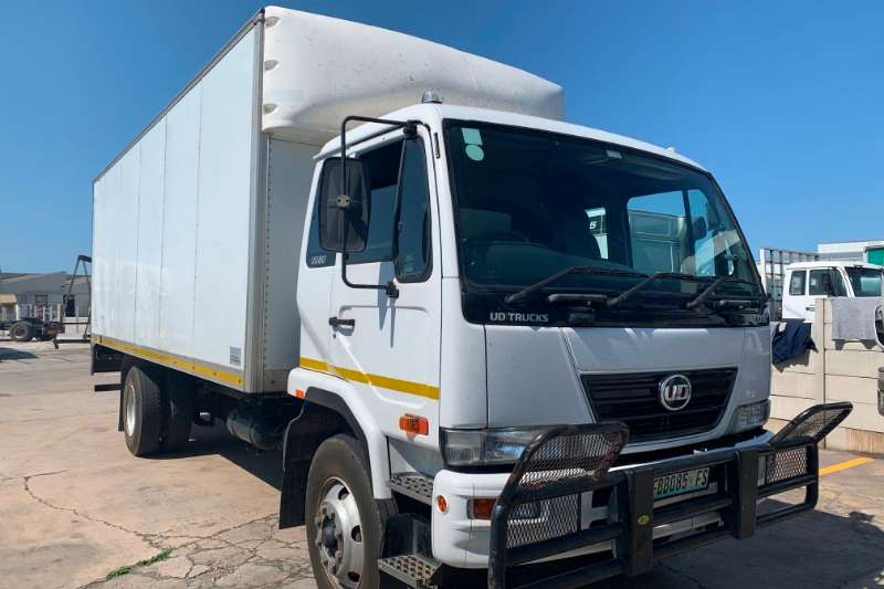 UD Truck Closed body UD80 2011