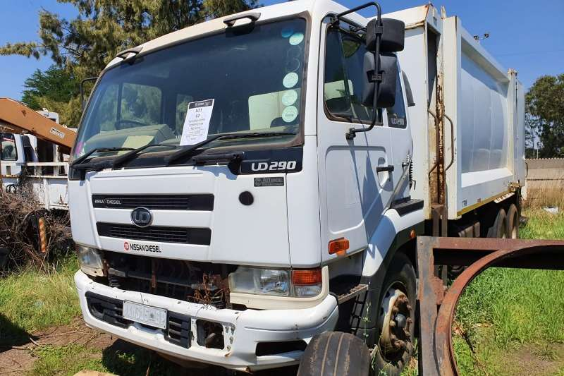 UD Truck Compactor UD 290Compactor