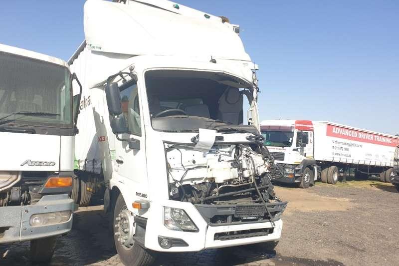 UD Truck Curtain side Croner PKE M280 2018