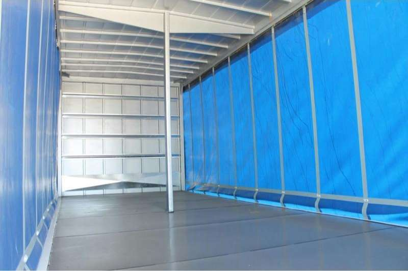 UD Curtain side UD Croner MKE 210 4x2 with Tautliner Body Truck