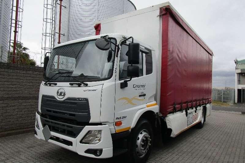 UD卡车侧帘UD Croner PKE250用箱式货车和危险化学品规格2017年