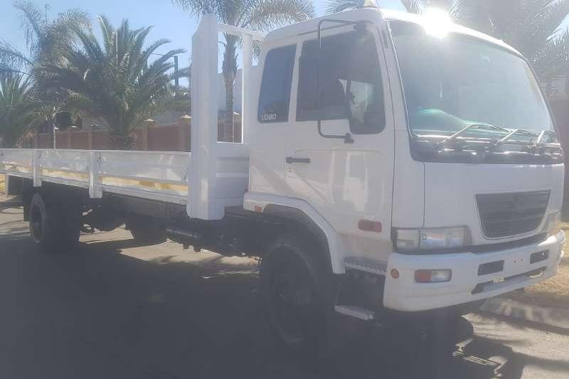 UD Truck Dropside UD80 2012