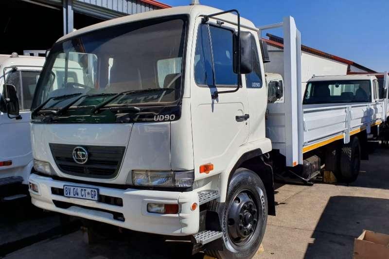 UD Truck Dropside UD90 2012