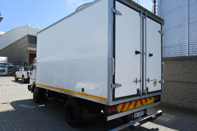 UD Fridge truck UD Cabstar 40 with 4,2m Insulated Body & Fridge Truck