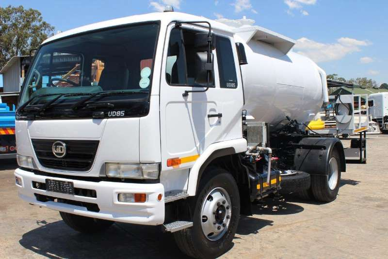 UD Truck Honey sucker UD85 2013