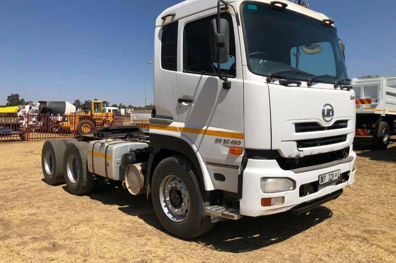 UD Truck-Tractor Double axle UD 450 2014