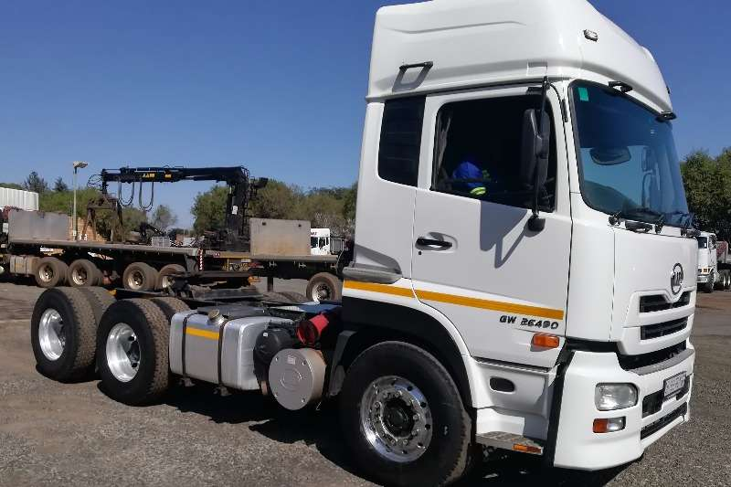 UD Truck-Tractor Double axle UD 490 E14 6x4 Truck Tractors 2013