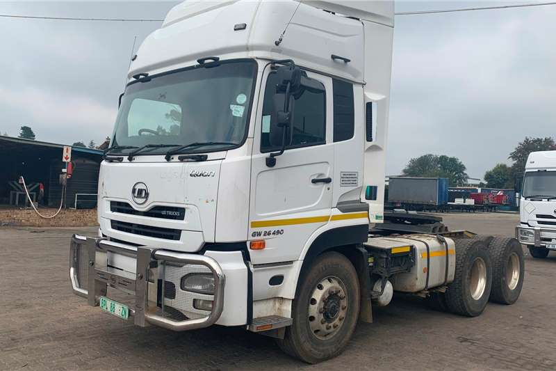 UD Truck-Tractor Double axle UD GW26 490 2014