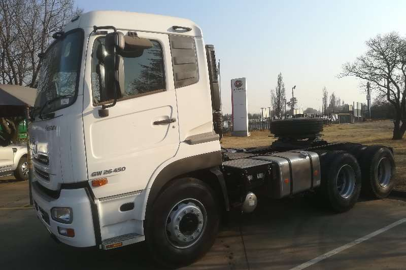 UD Truck-Tractor Double axle UD QUON GW26 450 TT AMT SR 2019