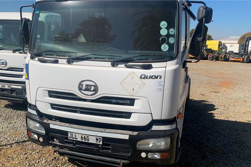 UD Truck tractors 2014 NISSAN UD QUON GK 17 370 2014