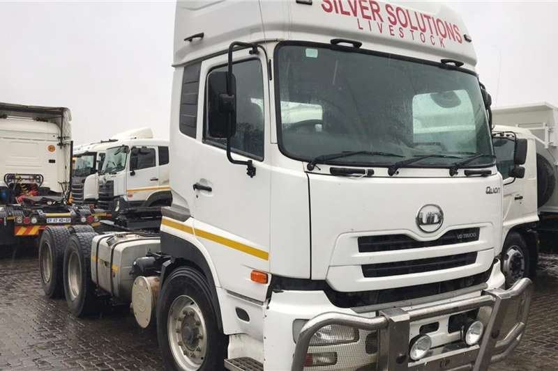 UD Truck tractors Double axle 2014 UD450 2014