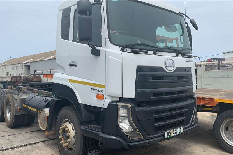 UD Truck tractors Double axle GWE420 T/T 2016