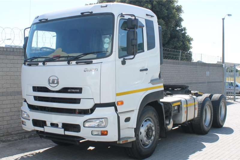 UD Truck tractors Double axle UD Quon 450 Low Roof 2020