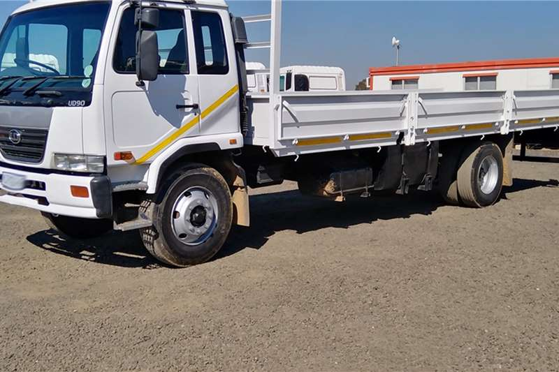 UD Truck tractors NISSAN UD 90 WITH DROPSIDES 2006