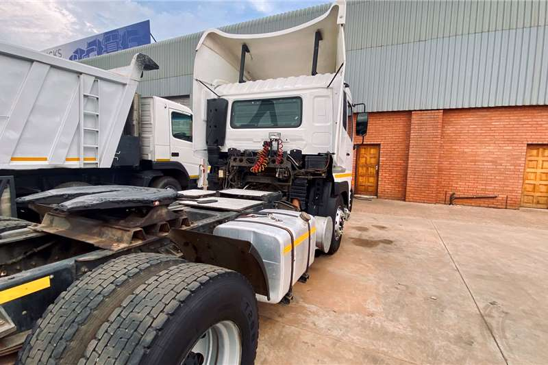 UD Single axle NISSAN QUON CK370 4X2 T/T Truck tractors