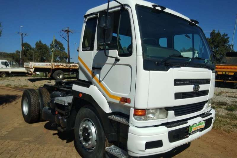 UD Single axle UD 290 Horse  R299000 Truck tractors