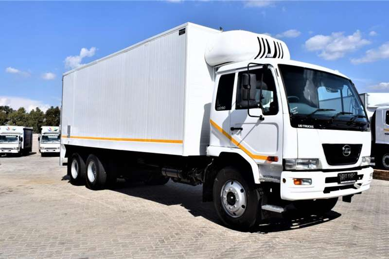 UD UD 90 Refrigerated Body Tag Axle Truck
