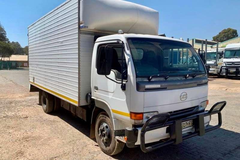 UD Truck Van body UD40L 2012