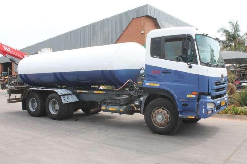 UD Truck Water Tanker 330 16000L Water Tanker 2010