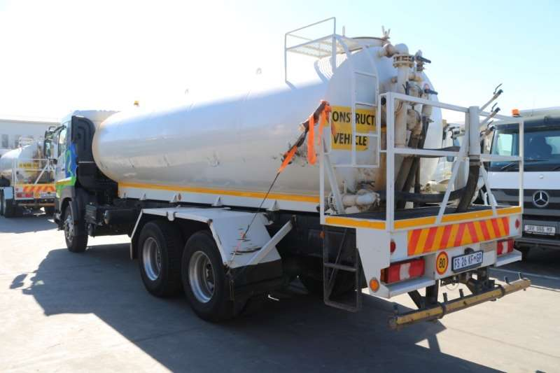 UD Truck Water tanker Quester Water Tanker 2016