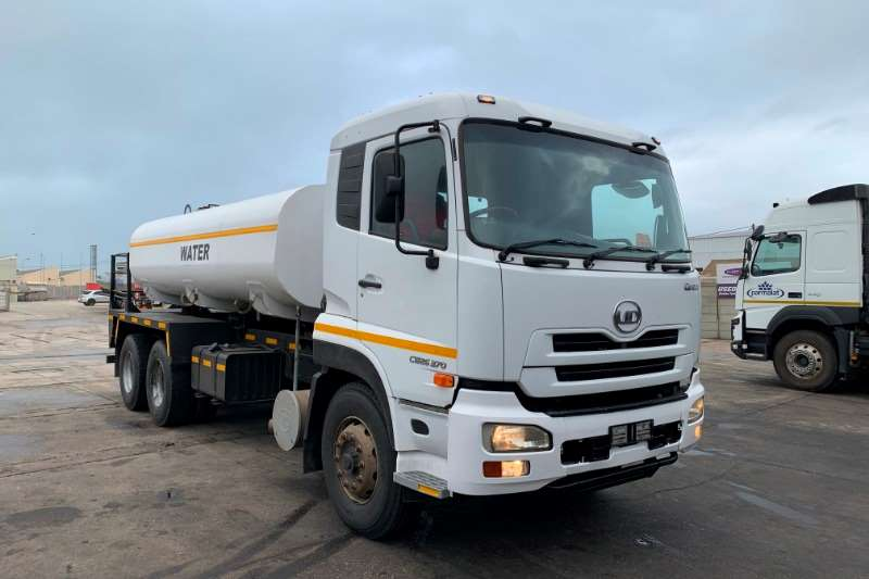 UD Water bowser trucks CW26 370 2014