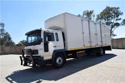 Volvo FL6H 220 4X2 Box trucks