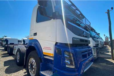 Volvo ( 8x 4 ) FMX 520 Twinsteer Chassis cab trucks