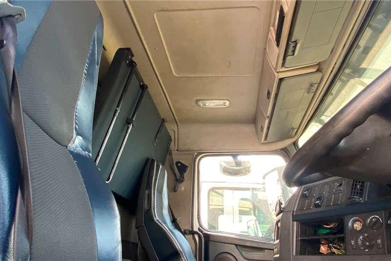 Volvo FH 440 Flatdeck Chassis cab trucks