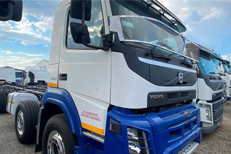 Volvo FMX 520 Twinsteer Chassis cab trucks