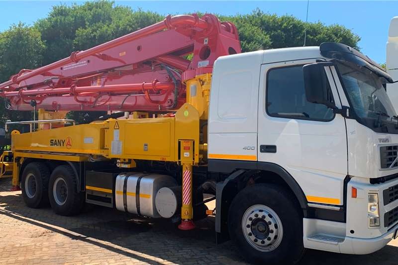 Volvo Concrete pump trucks 2008 VOLVO FM400 WITH CONRETE CRANE PUMP 2008