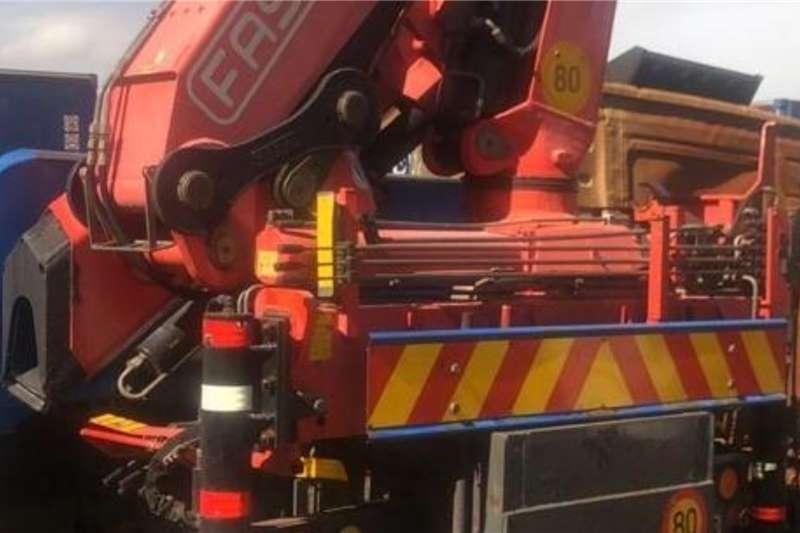 Volvo VOLVO 340 SERIES 24 TON CRANE TRUCK Crane trucks