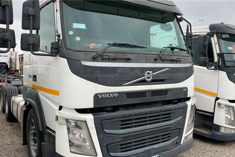 Volvo FM 400 Personnel carrier trucks