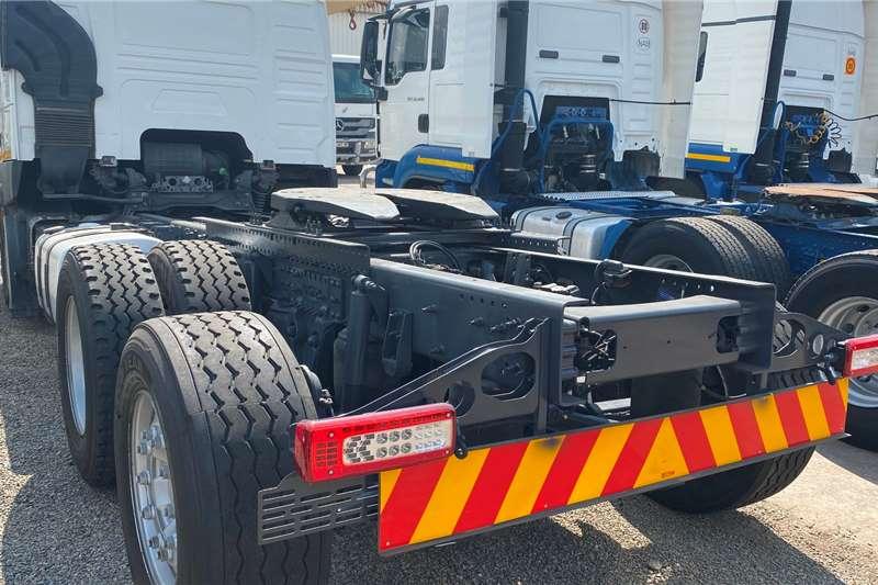 Volvo FM 400 TagAxle Personnel carrier trucks
