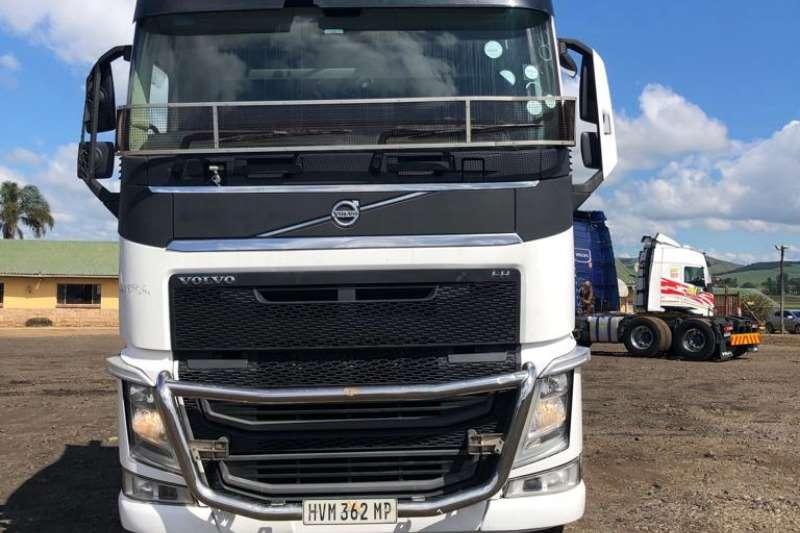 Volvo Truck Chassis cab VOLVO FH520 IMMAC COND, LOW MILEAGE 2014