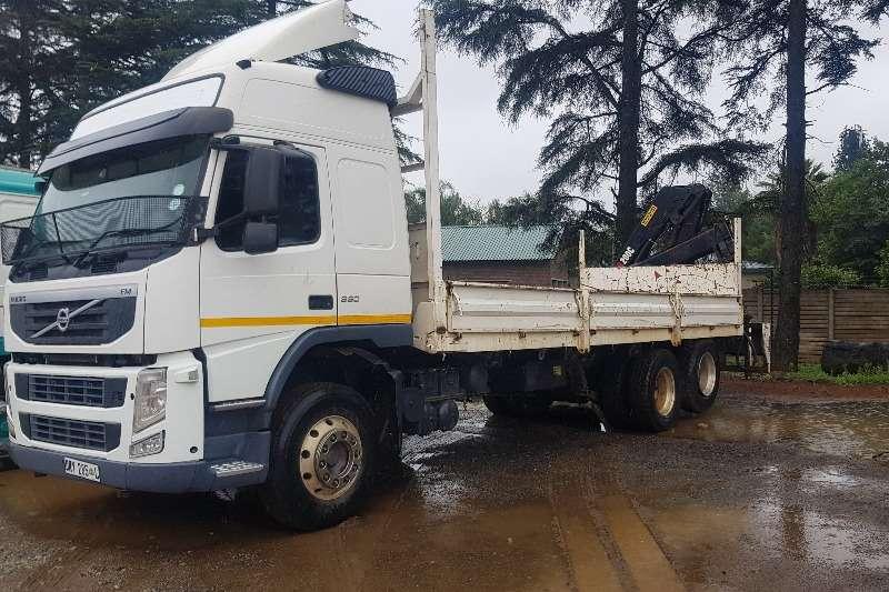 Volvo Truck Crane truck FH330 2013