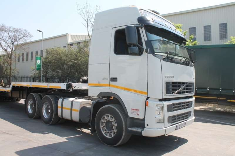Volvo Truck FH12 400 6x4 Globetrotter Horse 2006