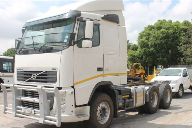 Volvo Truck FH480 6x4 Horse 2013