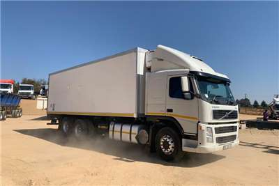 Volvo Fridge truck VOLVO FM9 300 6X2FC REFRIGERATED Truck